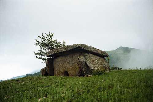 solnechnyy-dolmen
