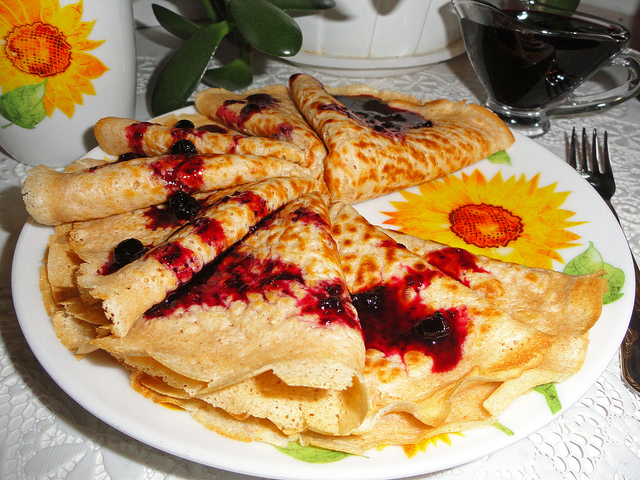 russian pancakes life in russia. Black Bedroom Furniture Sets. Home Design Ideas
