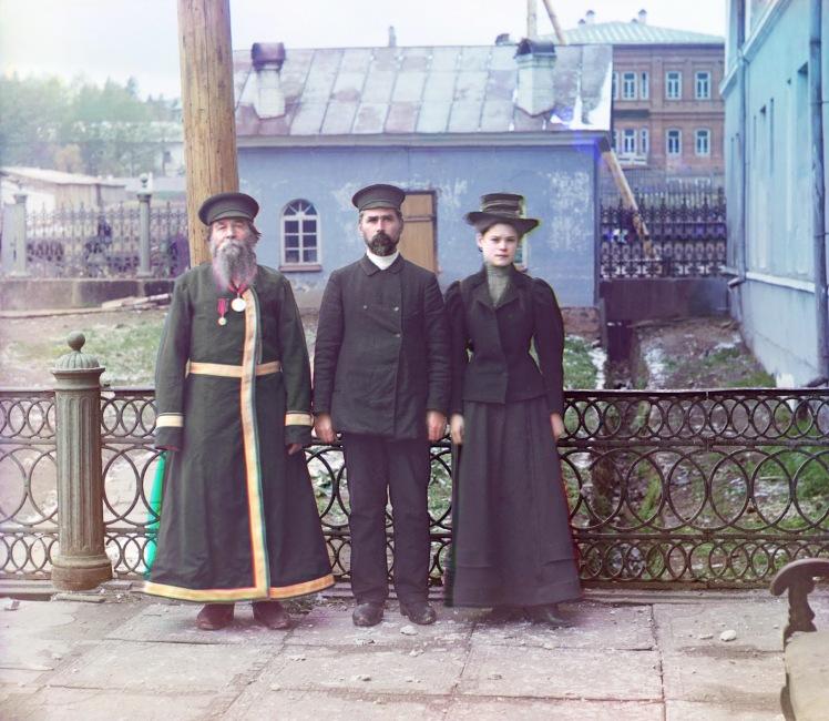 sergei-mikhailovich-prokudin-gorskii-old-color-pictures-of-russia-study-of-three-generations-zlatoust-p-kalganov-1910