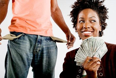 woman-takes-mans-money
