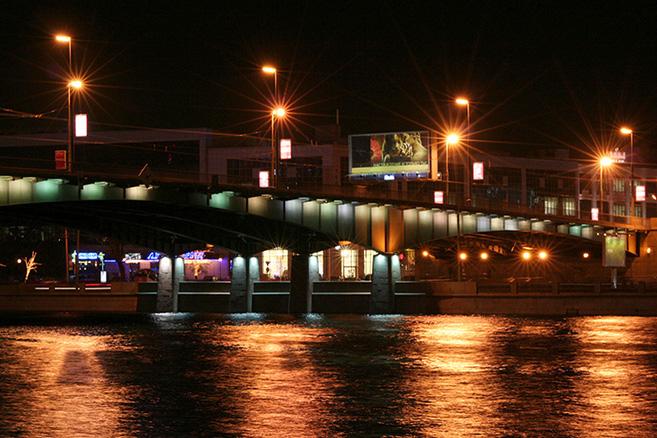 kantemirovskiy-bridge-over-the-bolshaya-nevka-in-st-petersburg