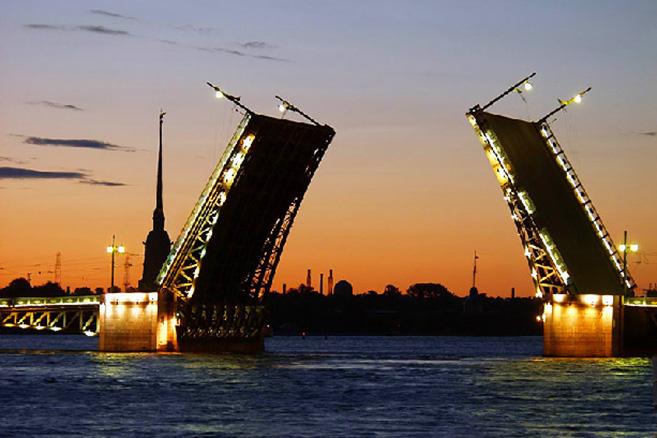 palace-bridge-in-st-petersburg