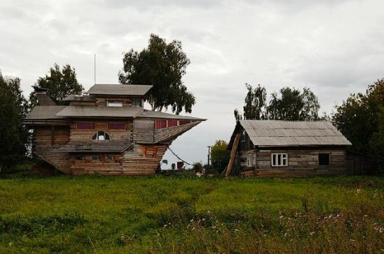 ship-house-russia