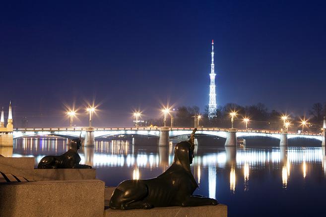 sphinxes-next-to-kamennoostrovskiy-bridge-in-st-petersburg