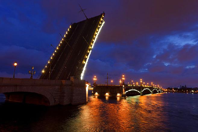 trinity-bridge-in-st-petersburg