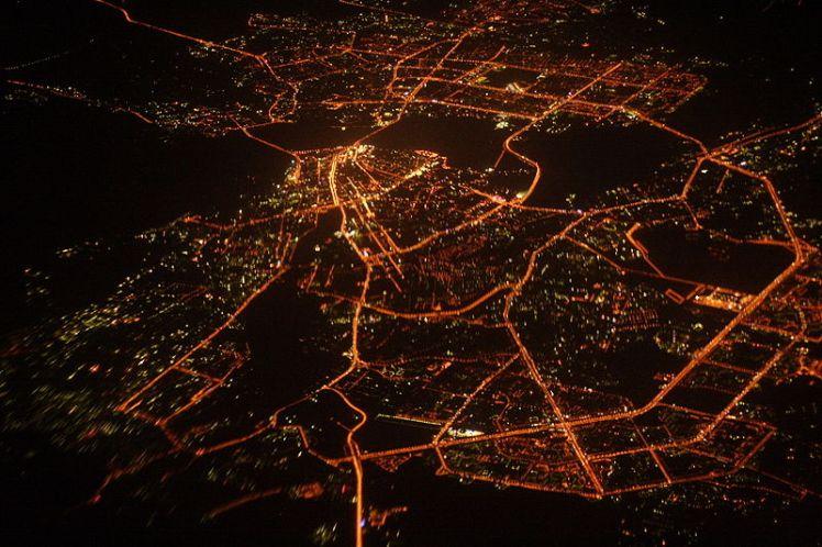 800px-Night_aerial_view_of_Kazan,_Russia_(2007)
