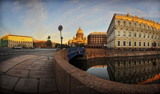 Saint-Petersburg-water-and-bridges-25