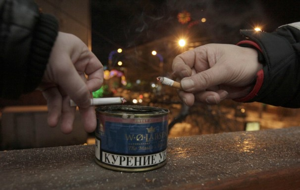 2013-01-25T154201Z_01_RUS10_RTRIDSP_3_RUSSIA-SMOKING-7710