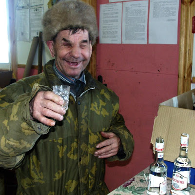 blind-toothless-drunk-russian