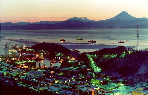 Petropavlovsk_Kamchatsky_at_night