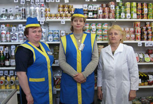 russian-store-clerks