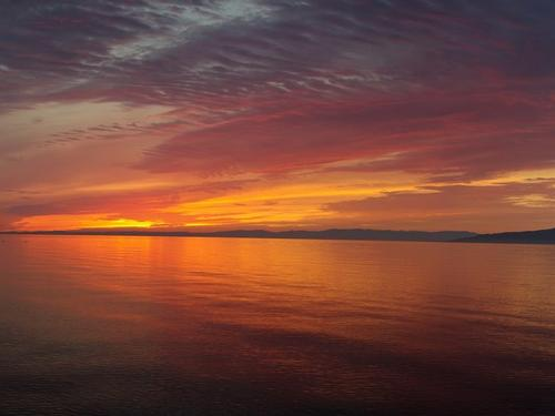 Sunset_on_Lake_Baikal-Lake_Baikal-3000000010275-500x375