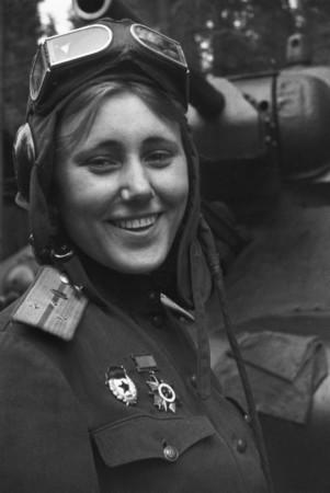 Aleksandra_Samusenko,_1943