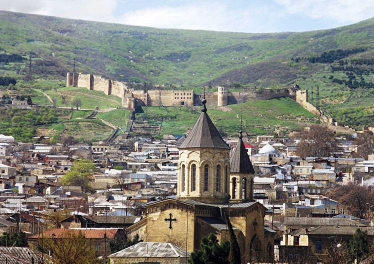 Derbent-town-with-Naryn-Kala-citadel-in-the-background-russia