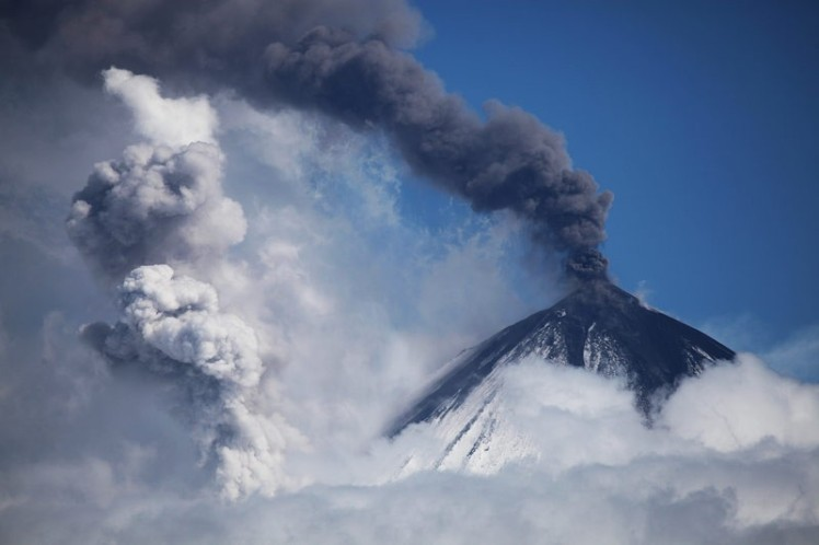 kamchatka-volcanic-eruption-klyuchevskoy-large_4_1