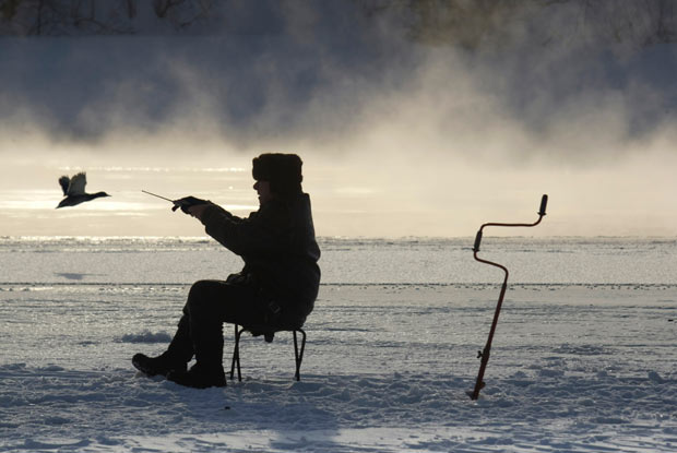 ice-fishing_1828294i