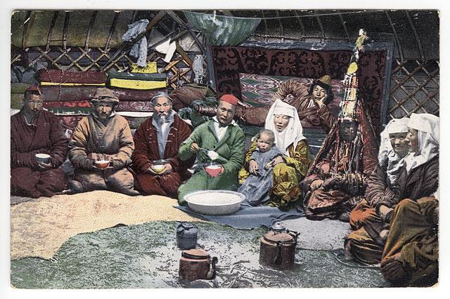 SB_-_Inside_a_Kazakh_yurt