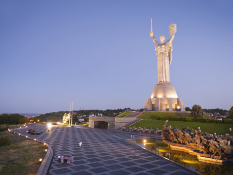 graham-lawrence-motherland-statue-rodina-mat-and-the-national-war-museum-kiev-ukraine-europe
