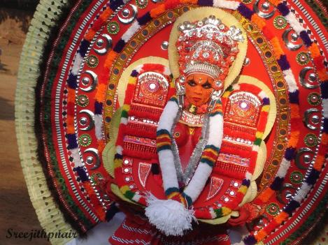 Theyyam0_rs