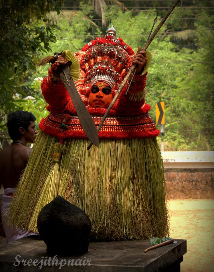 Theyyam14_rs