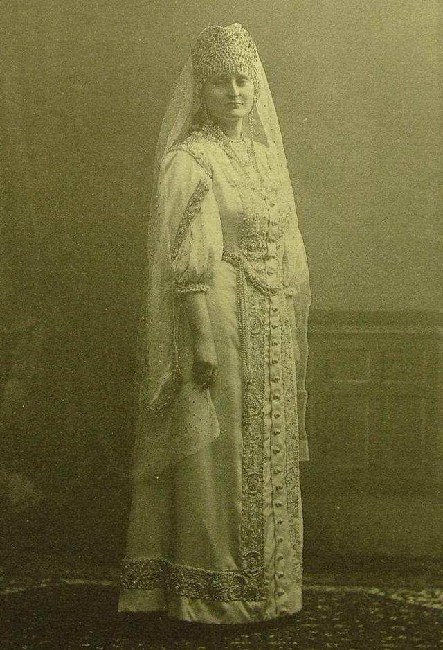 Gendrikova_A.V._freilina._1913._Karl_Bulla