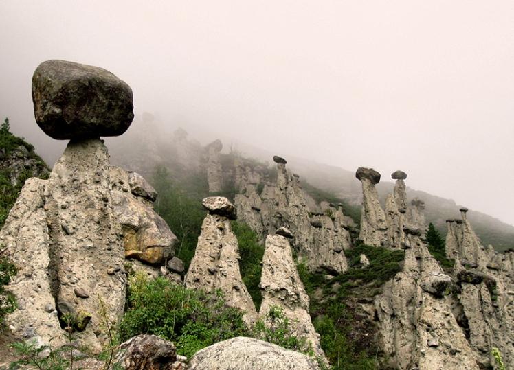Akkurum-hongos-rocas-Rusia (4)