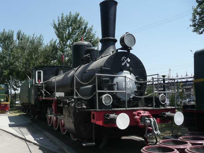 tashkent-ov-1534-steam-locomotive-01