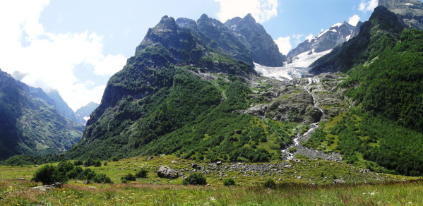 ptyshskoe-gorge-greater-caucasus-mountains-dombay-russia