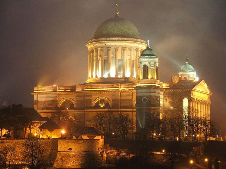 Esztergom.bazilika.lights