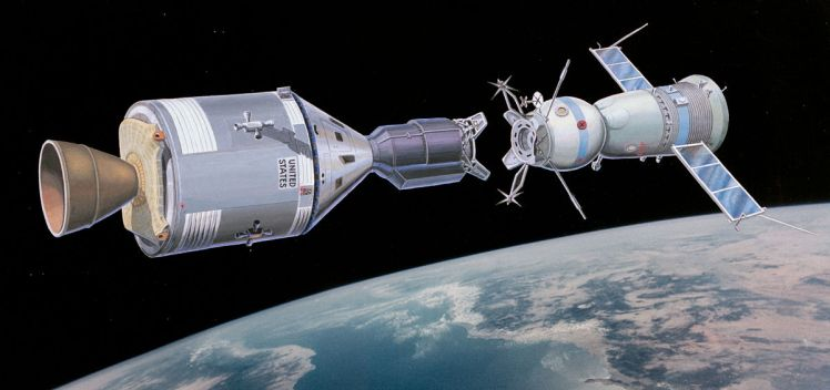 1200px-Apollo-Soyuz-Test-Program-artist-rendering