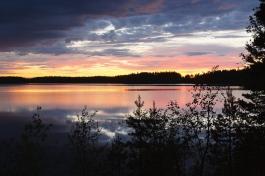 Karelia_lakes_sunset_by_Petr-Magera