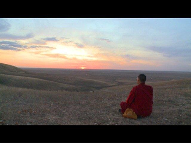 kalmykia-buddhism-monk-steppe_4