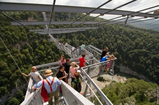 highest-suspension-bridge-in-russia