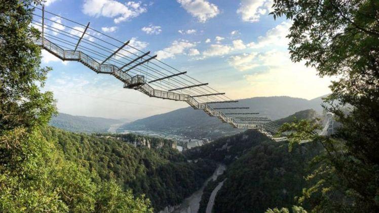 nc_longest_footbridge_1_sk_141001_16x9_992